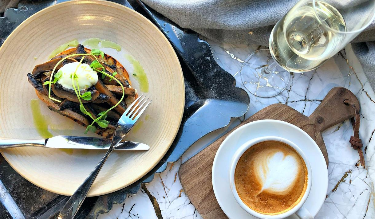 Harvey Nichols bottomless brunch food and drink