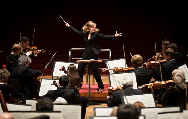 Mirga conducts Mahler's Fourth - City of Birmingham Symphony Orchestra (CBSO)